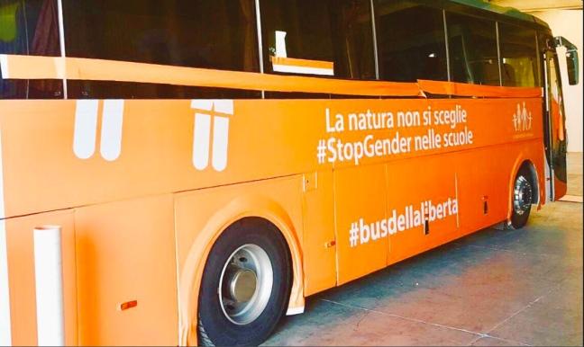 """Viaggio del """"bus della libertà"""": ennesimo attacco all'autodeterminazione"""